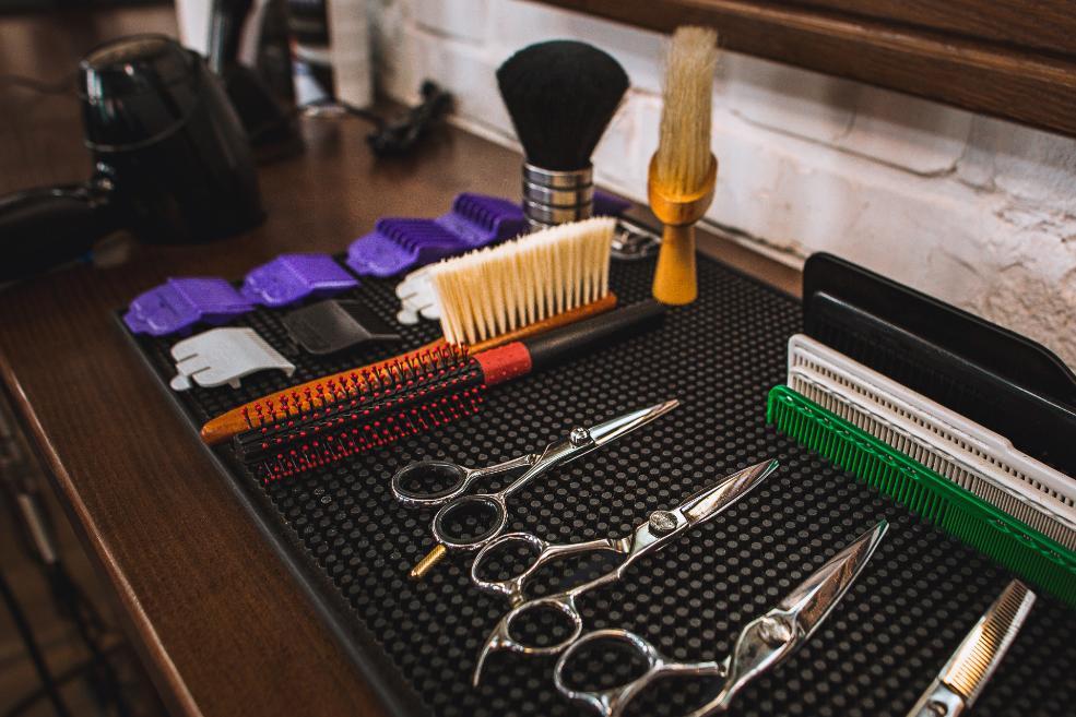 Corte de pelo tras el injerto capilar: ¿tijeras o maquinilla?