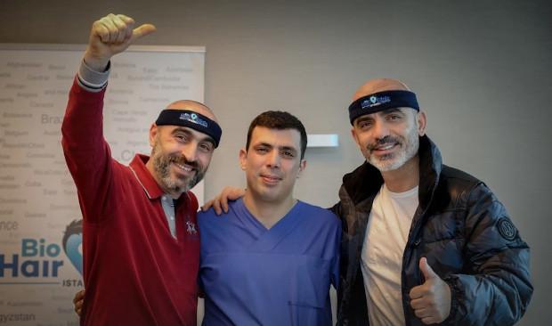 Dr. Ibrahim con i pazienti