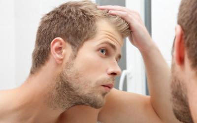 Wann wachsen die Haare nach einer Haartransplantation wieder nach?