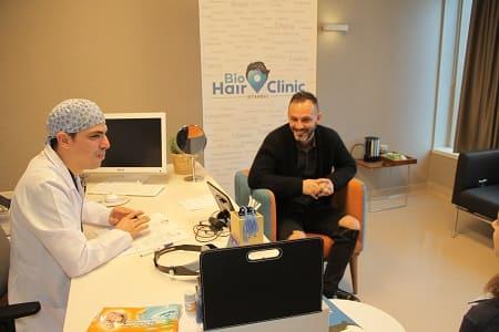 Beratung für volles Haar bei Dr. Ibrahim Bio Hair Clinic