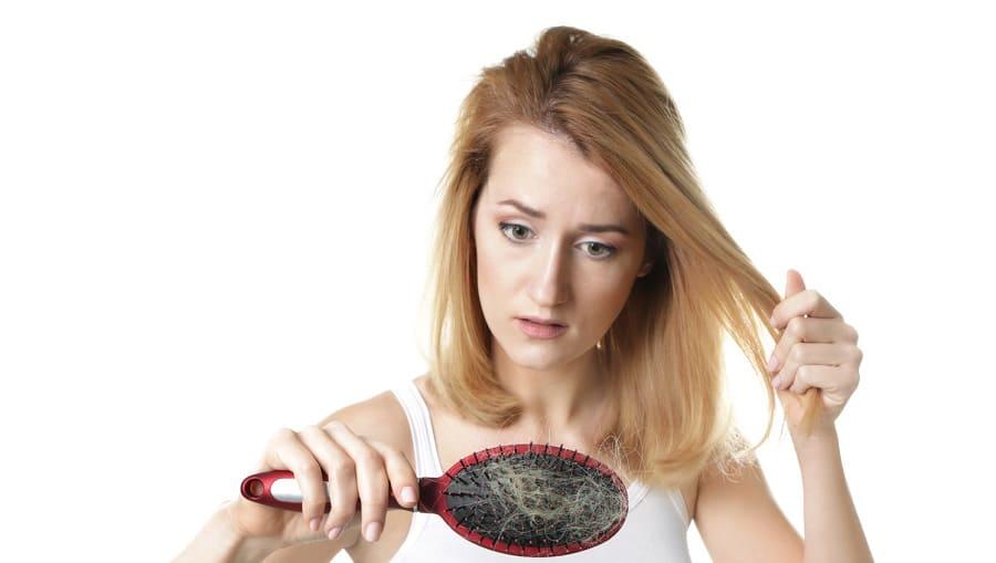 Einseitiger Haarverlust ist eine große Belastung