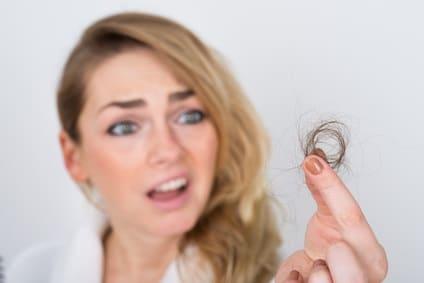 Hormonelle Störungen beeinflüssen Haarverlust