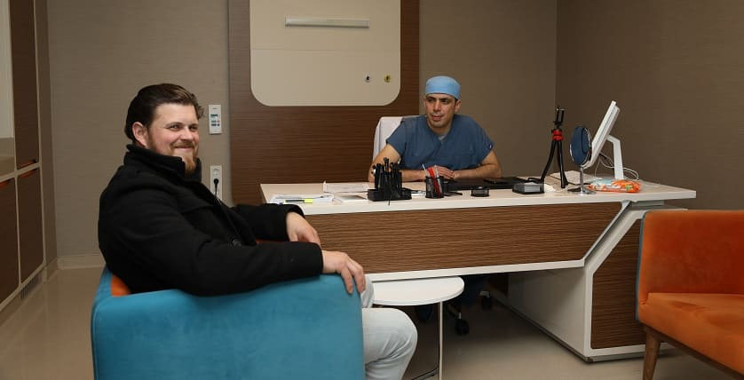Frontal fibrosierende Alopezie - Haartransplantation Beratung bei Dr. Ibrahim