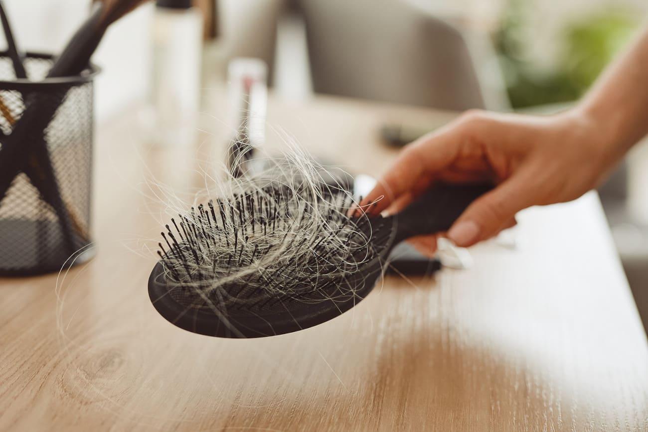 Bürste mit vielen Haaren.